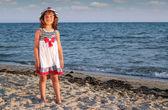 ビーチで美しい少女 — ストック写真