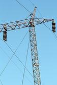 кабели и электрические пилон высокого напряжения — Стоковое фото
