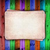 пустая тарелка на фоне красочных деревянных — Стоковое фото