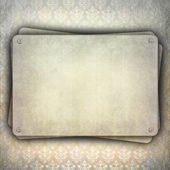 Blank plate on grunge background — 图库照片
