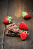 Chocolate Cake and strawberries  — Stock Photo