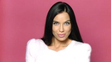 Beautiful and sexy woman sending kiss — Stock Video