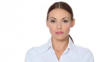 Bella giovane donna d'affari, mostrando il pollice giù — Video Stock