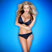 Glamorous curvy blonde woman — Stock Photo