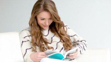 Girl Reading a Book — Stock Video