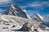 Beautiful mountain landscape in a sunny day. Himalayas. Nepal — Stock Photo