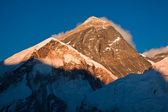 Evening colored view of Everest from Kala Patthar. Nepal — Stock Photo
