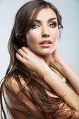 Rosto de mulher com cabelo comprido — Foto Stock