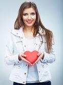 Mujer con corazón — Foto de Stock