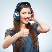 耳机的女人 — 图库照片