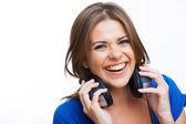 ヘッドフォンでの女性の笑みを浮かべてください。 — ストック写真