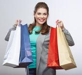 Kvinna håll shoppingväska — Stockfoto