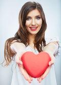 Женщина с сердцем — Стоковое фото