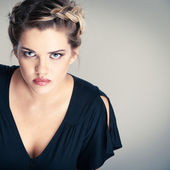 Retrato de mujer pelo estilo — Foto de Stock