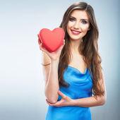 женщина держать красные сердца — Стоковое фото