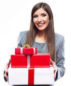 Kobieta trzymać pudełko — Zdjęcie stockowe