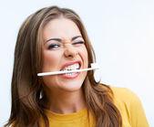 Mujer con cepillo de dientes — Foto de Stock