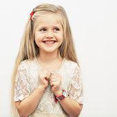 Smiling fashion girl — Stock Photo
