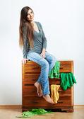 Retrato de la muchacha adolescente en casa. — Foto de Stock