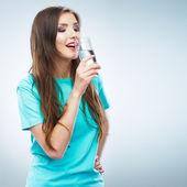 Mulher com um copo de água — Fotografia Stock