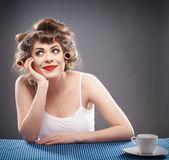 Mulher com encrespador — Fotografia Stock