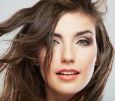 Kadın yüz saç hareket ile — Stok fotoğraf