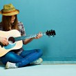 Girl with guitar — Stock Photo #43306791
