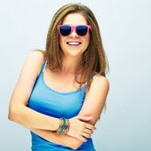 Woman in pink sunglasses — Stock Photo