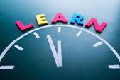 Tiempo para aprender el concepto — Foto de Stock