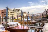 在大运河上的坞站。威尼斯 — 图库照片