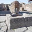 Pompeii. Drinkable fountain — Stockfoto