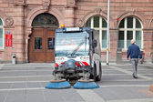 Frankfurt am Main.Cleaning up of streets — Stock Photo