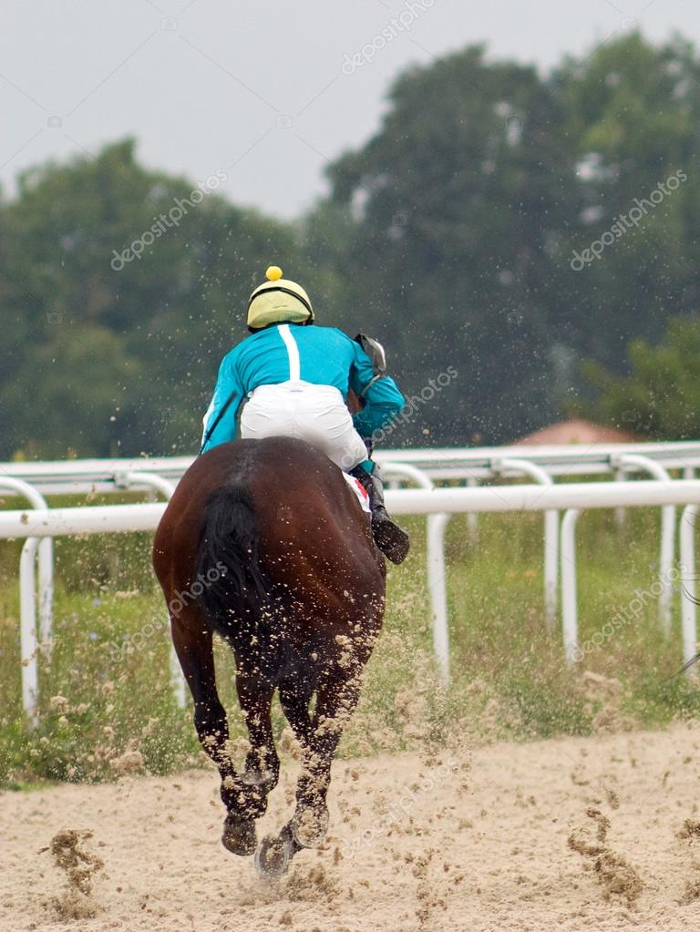 Horse Racing at the sandy track in Pyatigorsk. — Stock Photo #12297800