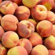 Постер, плакат: Close up of peaches