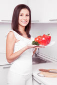 Mulher com legumes — Fotografia Stock