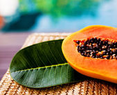 Juicy papaya — Stock Photo