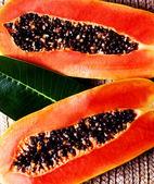 Juicy papaya — Stock Photo