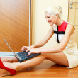 Woman with a laptop — Stock Photo #4219577