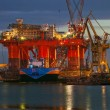 Stockfoto: Oil rig in the yards