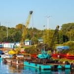 Floating pontoon and crane — Stock Photo #39391263