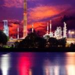 Refinery under dramatic sky — Stock Photo