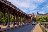 The Pont de Bir-Hakeim bridge in Paris, France — Stock Photo