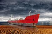 Beached ship — Stock Photo