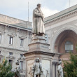 Statue of Leonardo Da Vinci, Milan, Italy — Stock Photo