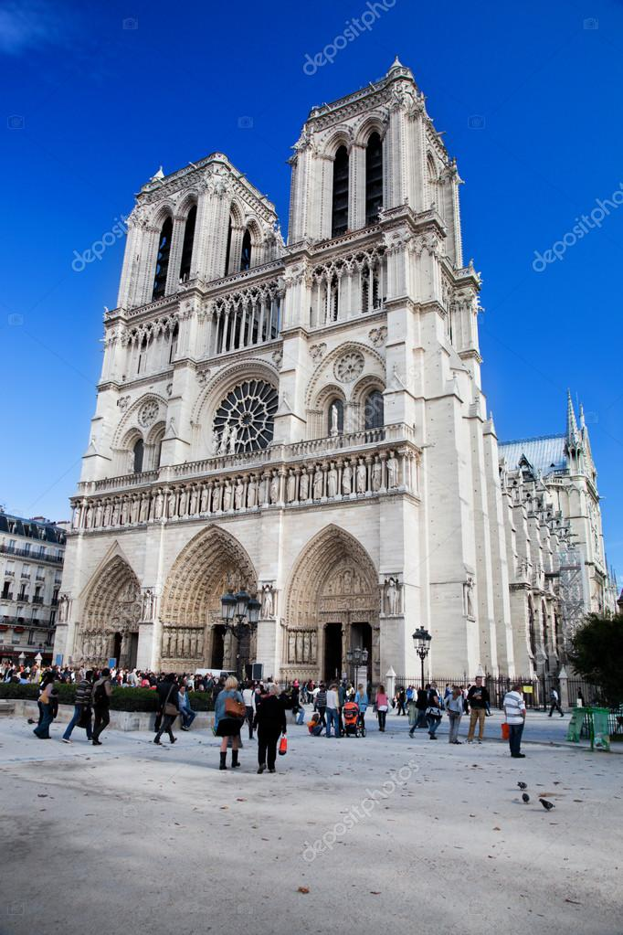 Notre Dame Cathedral, Paris, France. Paris tourist attraction — Stock Photo #14941181