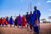 Maasai men in their ritual dance in their village in Tanzania, Africa — Stock Photo