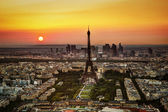 Paris, France at sunset. Aerial view on the Eiffel Tower — Stock Photo