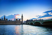 London, the UK. Big Ben, the Palace of Westminster at sunset — Stock Photo