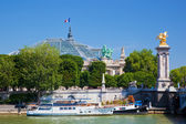 The Grand Palais and the Alexandre Bridge. — Stock Photo