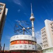 The Worldtime Clock, Alexanderplatz. Berlin, Germany — Stock Photo